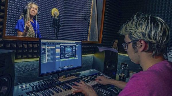 Процесс записи песни
